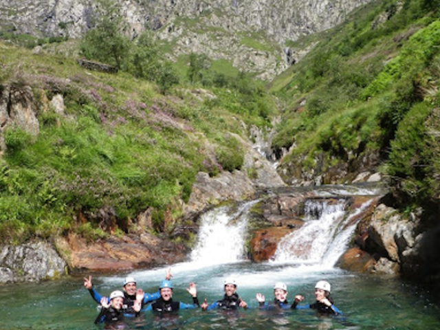 Escalade et descente de Canyon en Ariège Pyrénées et ailleurs